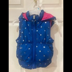 Pink Platinum blue and pink puffy vest size 5-6.